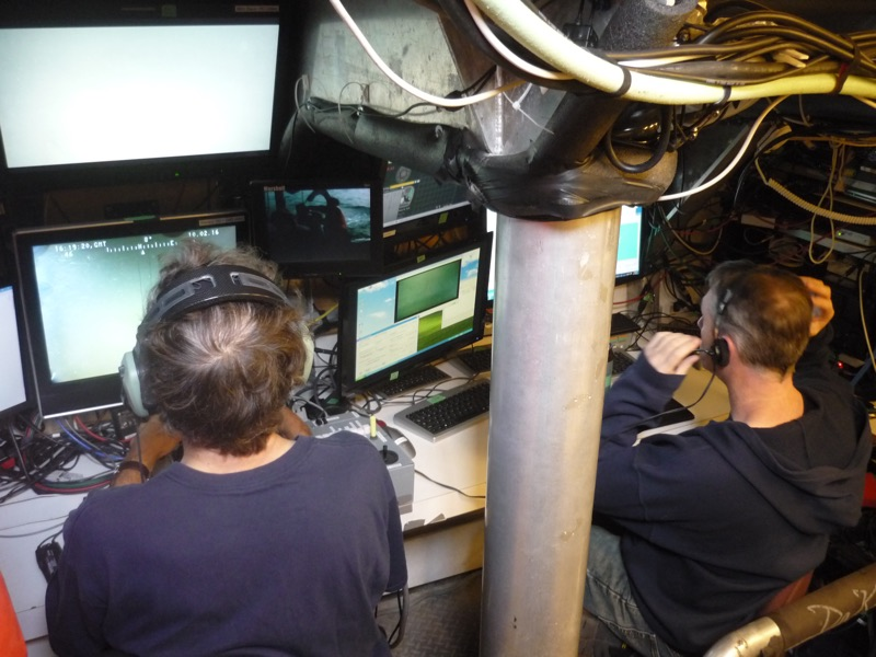 submarine-operators-working-the-controls